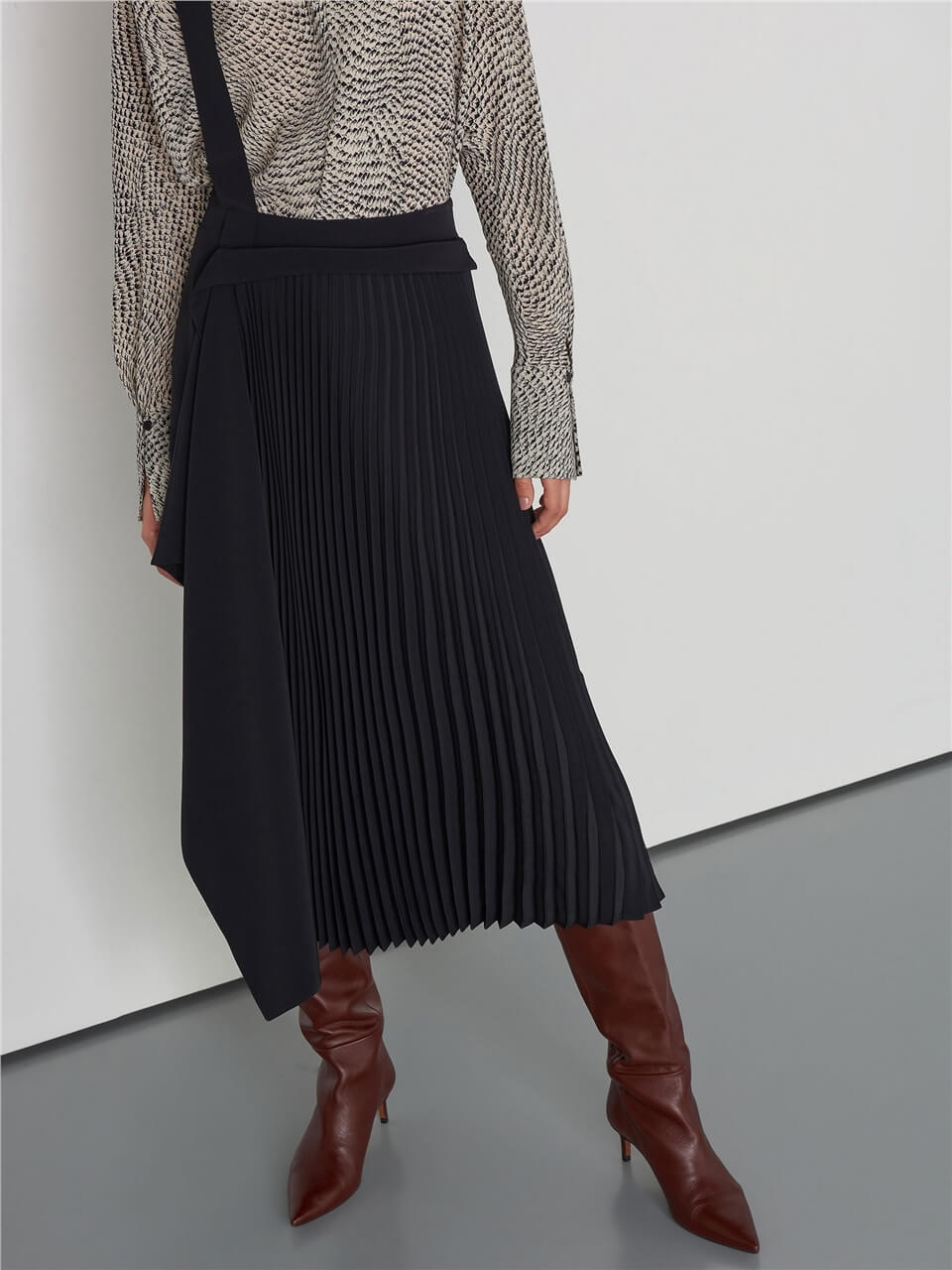 Salopet Detailed Pleated Black Skirt